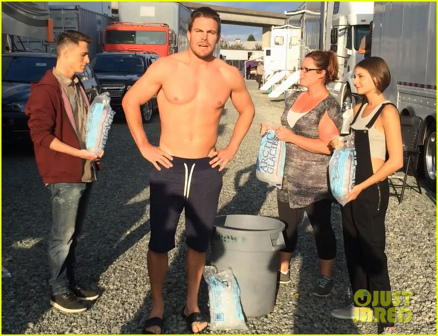 stephen amell shirtless robbie amell als ice bucket challenge 01