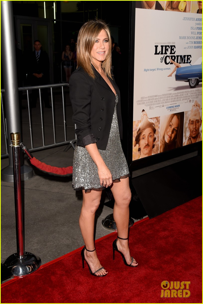 jennifer aniston will forte life of crime premiere 153185162