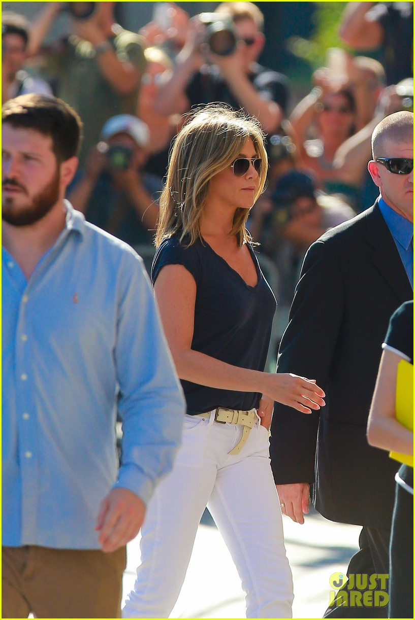 jennifer aniston jimmy kimmel live 193185081
