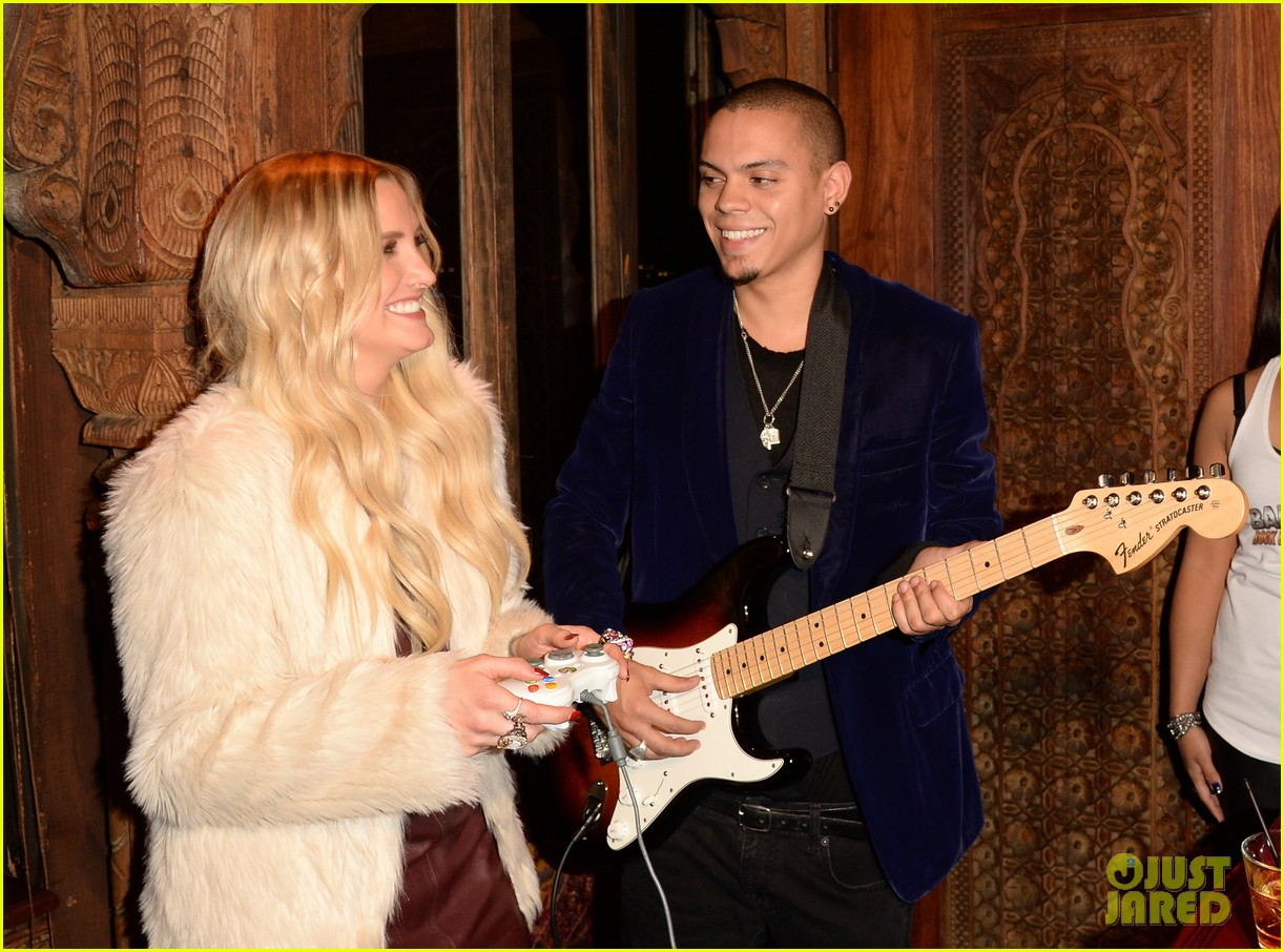 ashlee simpson evan ross married 03