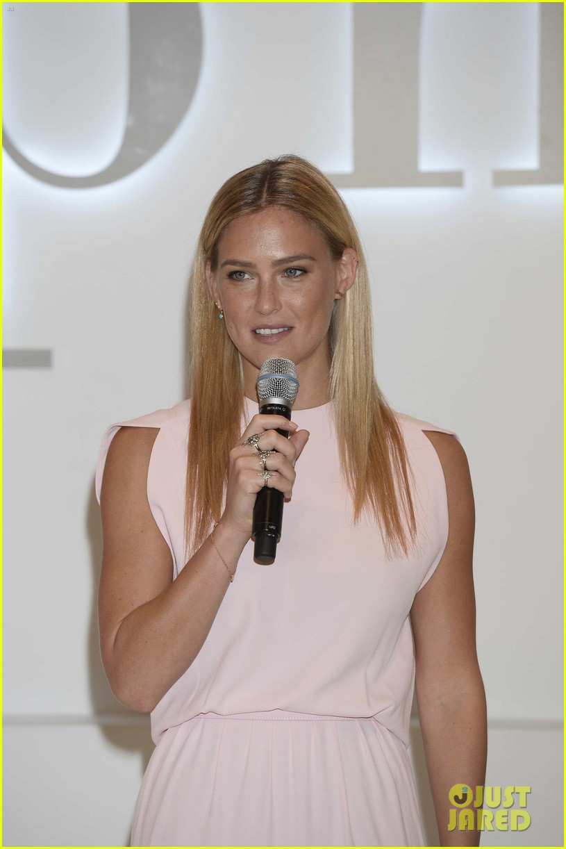 bar refaeli shares insanely sexy lingerie pic 13