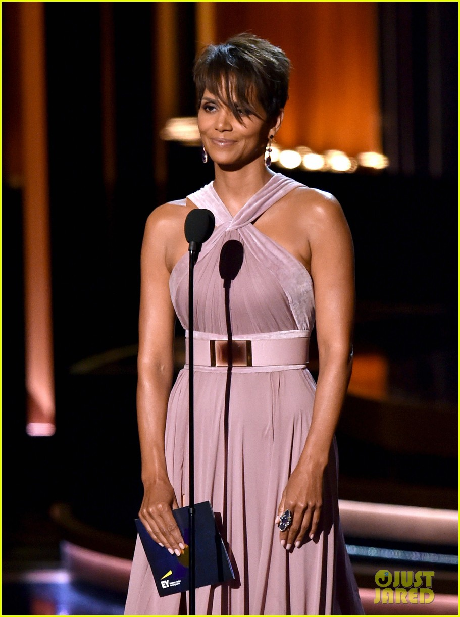 halle berry emmys 2014 13