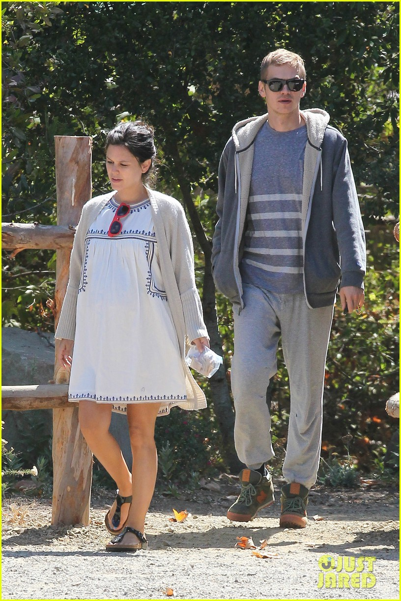 rachel bilson birthday walk trail hayden christensen 033183580