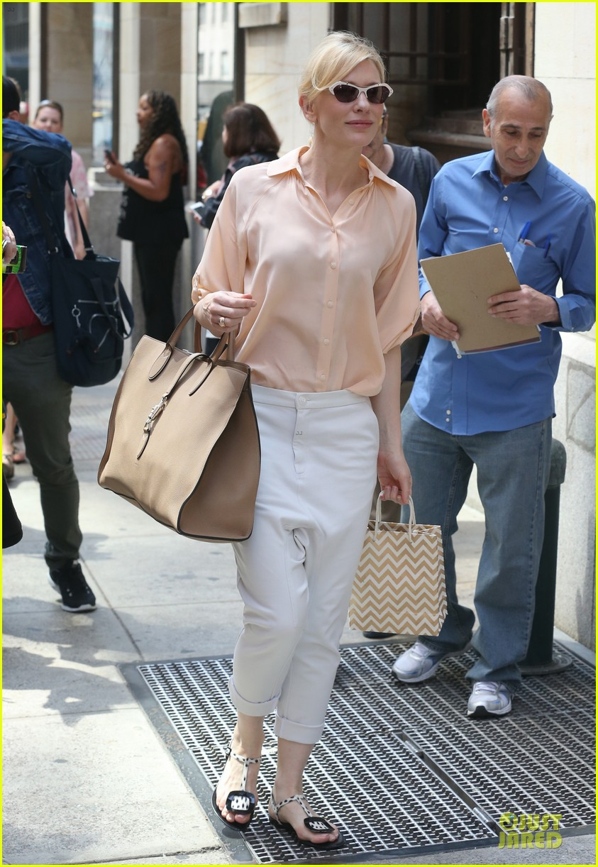 cate blanchett pulls a justin bieber with drop crotch pants 11