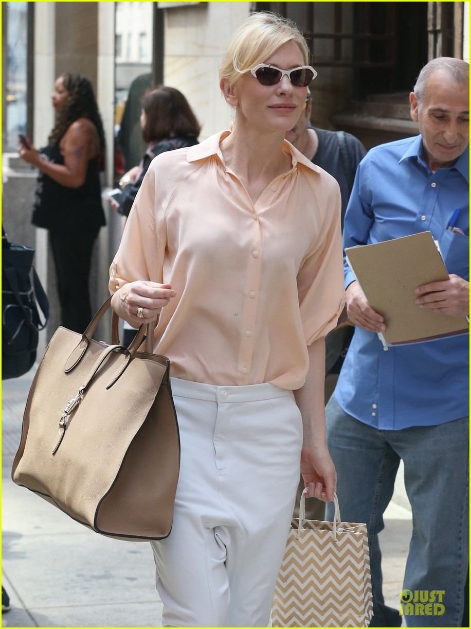 cate blanchett pulls a justin bieber with drop crotch pants 12