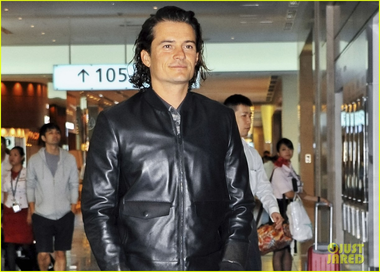 orlando bloom leather jacket sexy 023185470