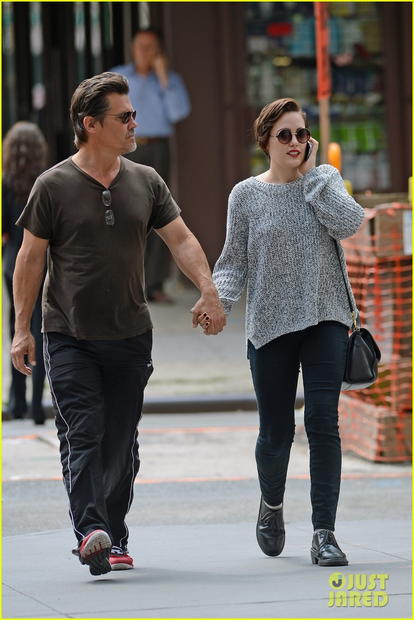 josh brolin holds hands with daughter eden 183180603