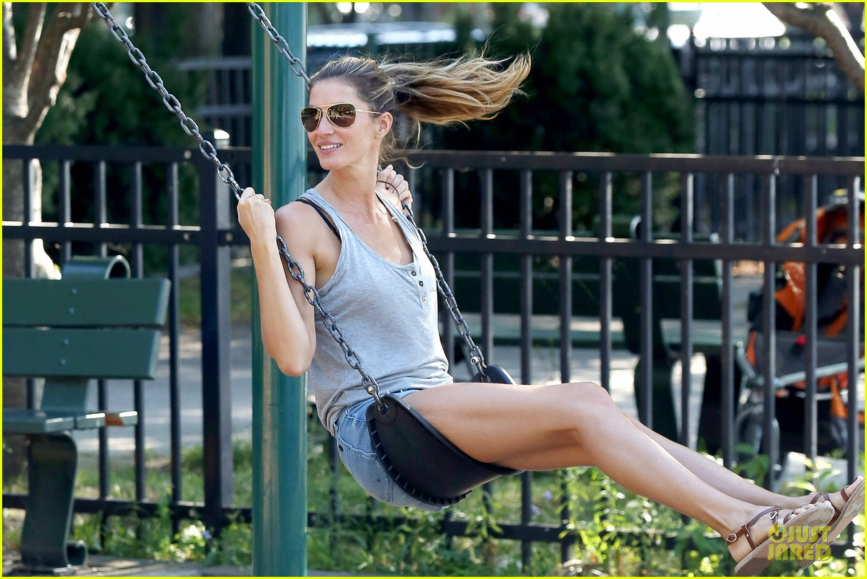 gisele bundchen tom brady play soccer at the park 21