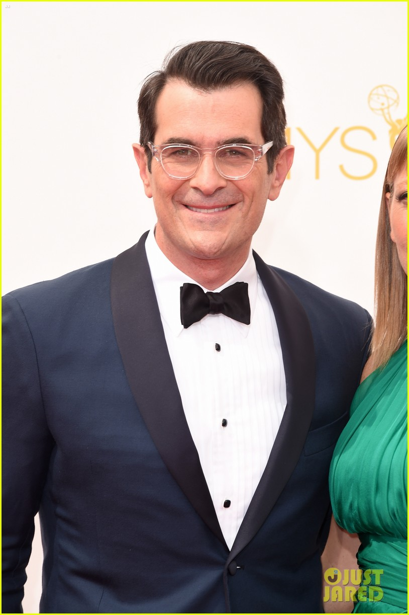 ty burrell eric stonestreet emmy red carpet 053183410