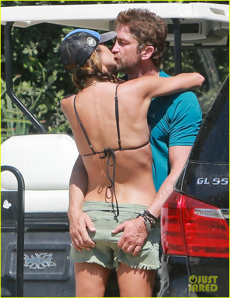 gerard butler cant keep his hands off his mystery girl 043183102