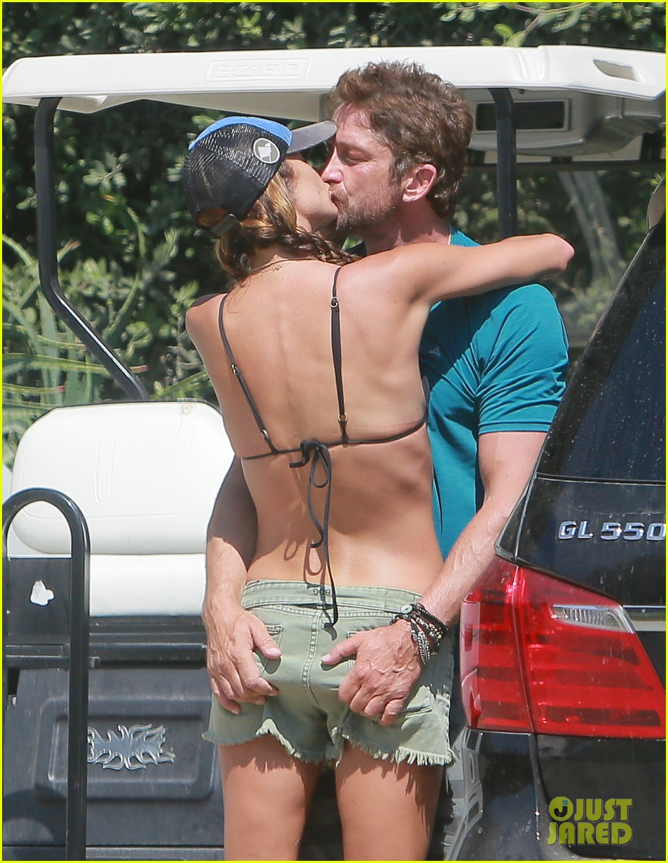 gerard butler cant keep his hands off his mystery girl 413183139