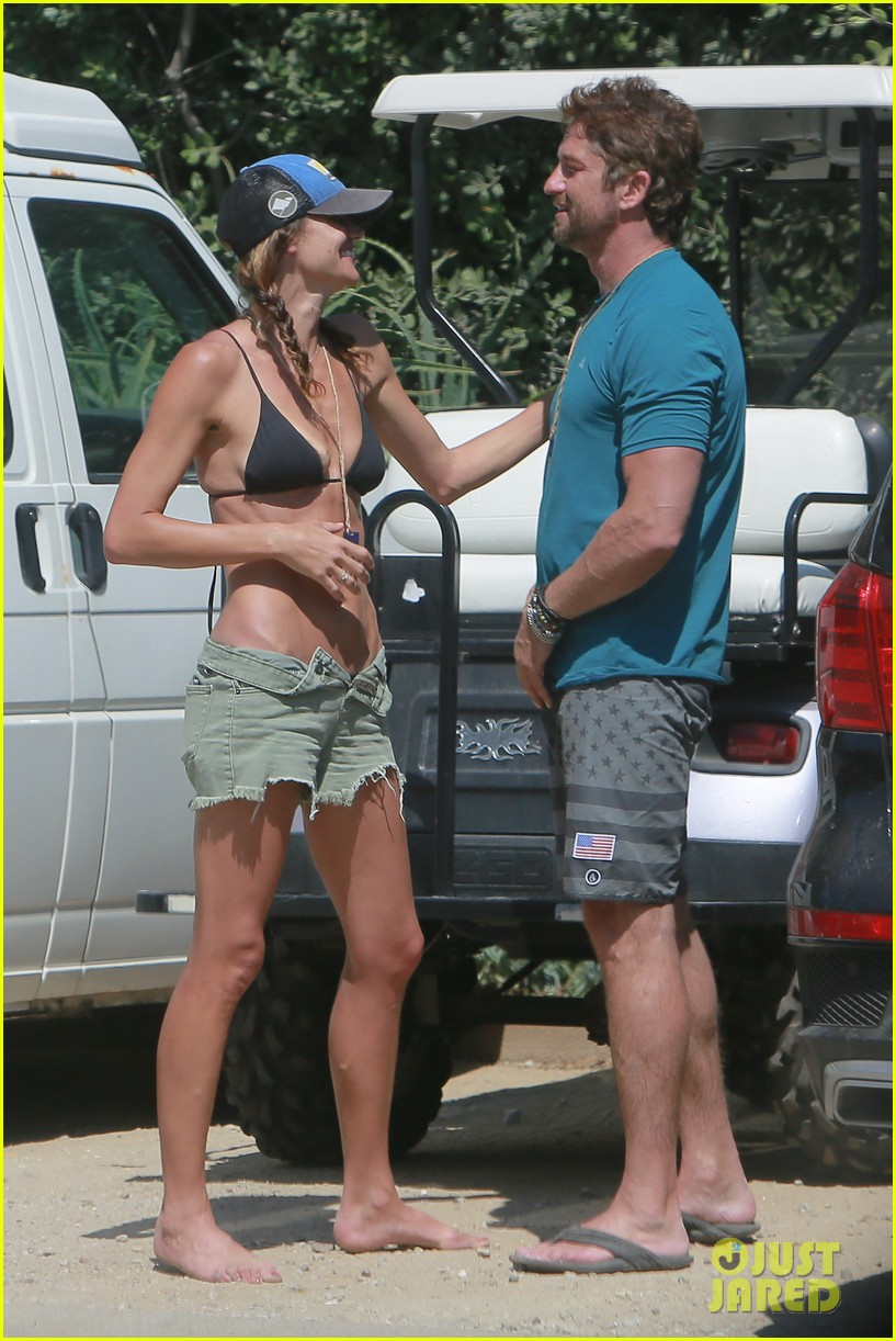 gerard butler cant keep his hands off his mystery girl 47