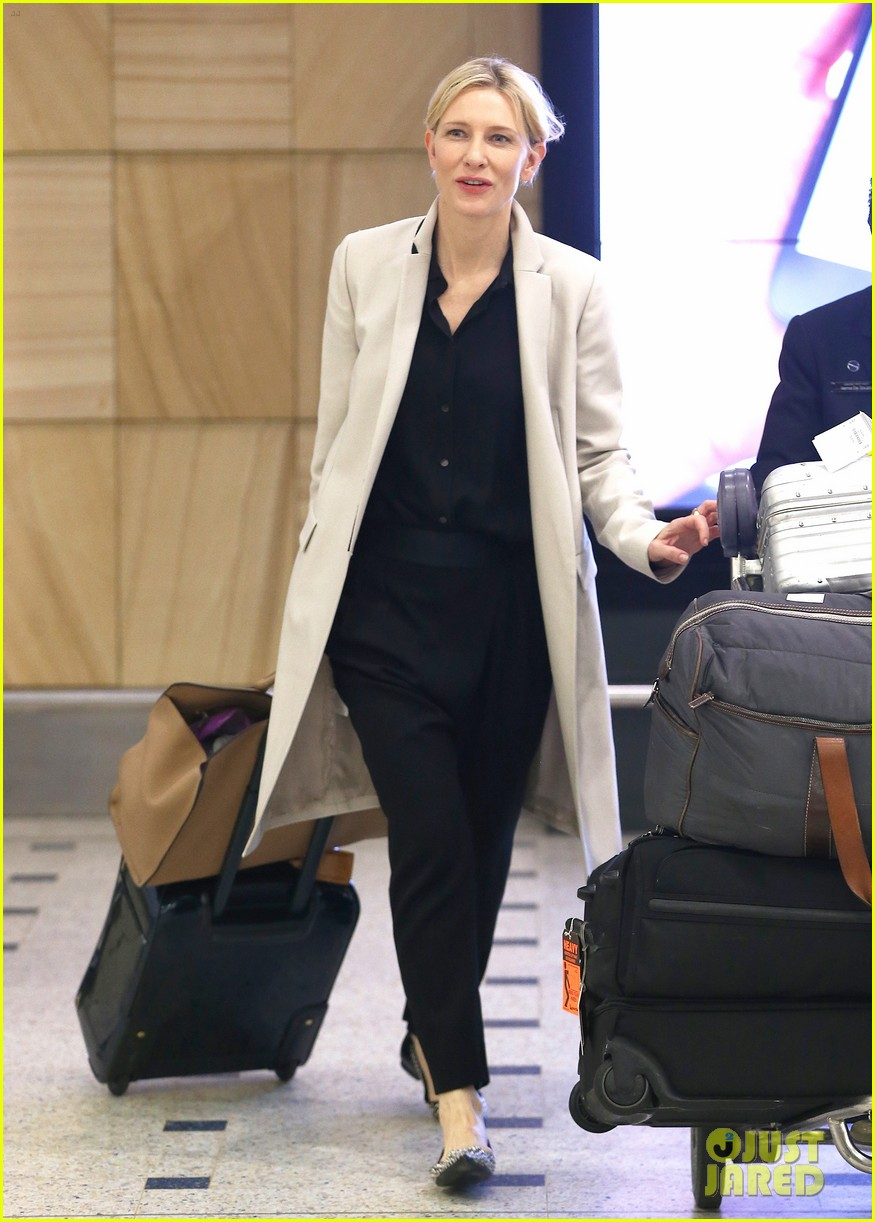 cate blanchett lands in australia after jungle book casting news 10