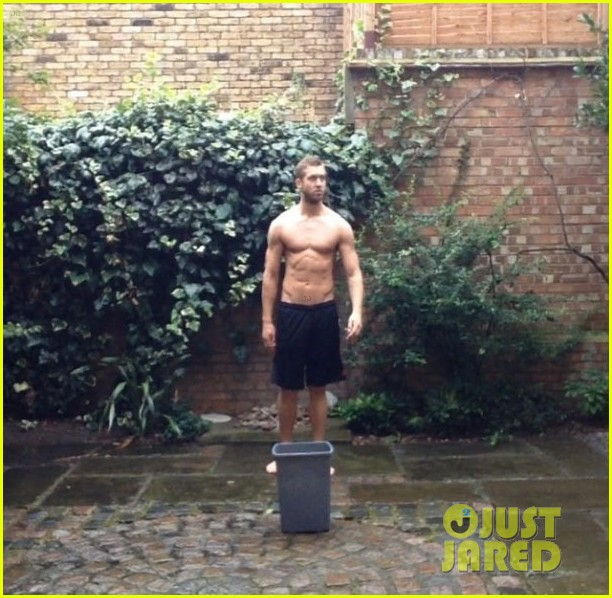 calvin harris shirtless als ice bucket challenge 01