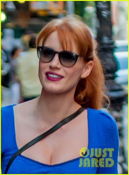 jessica chastain boyfriend gian luca hold hands nyc 01