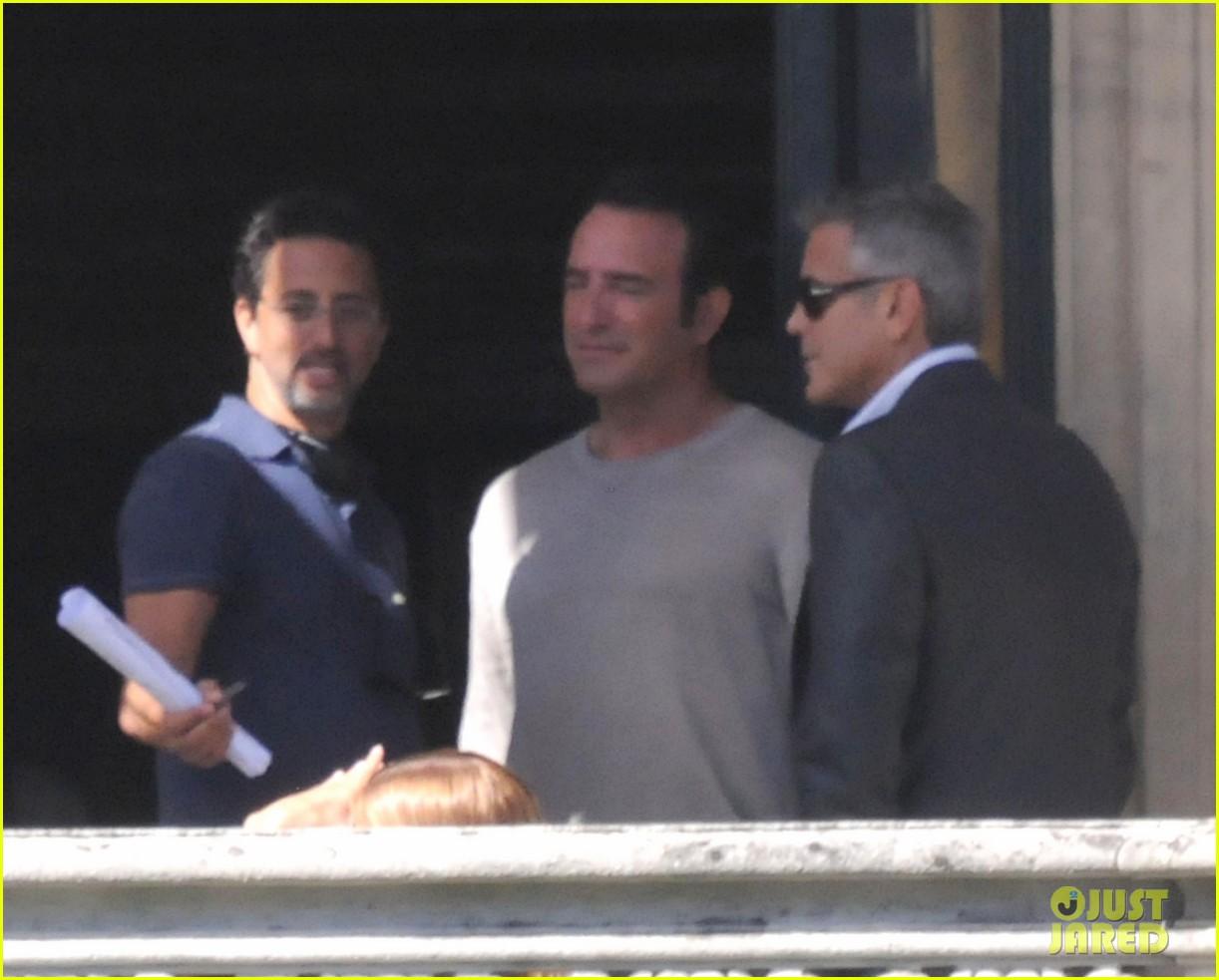 george clooney gets visit from amal alamuddin on set 06