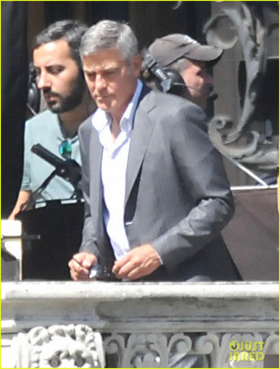 george clooney gets visit from amal alamuddin on set 10