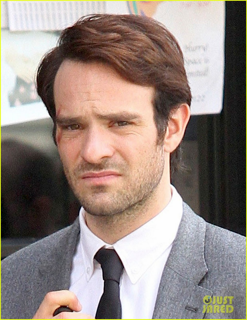 charlie cox in daredevil netflix series first photos 03