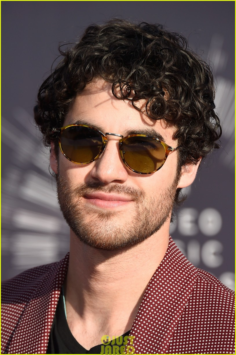 darren criss mtv vmas red carpet 023182549