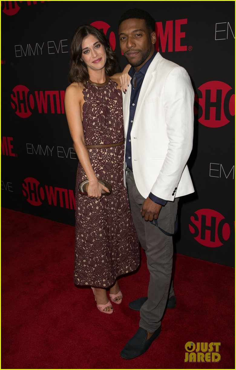 claire danes hugh dancy are the cutest couple at showtimes emmy eve 013182918