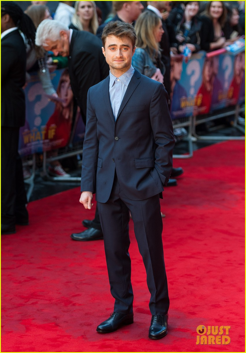 daniel radcliffe selfies what if uk premiere 023175252