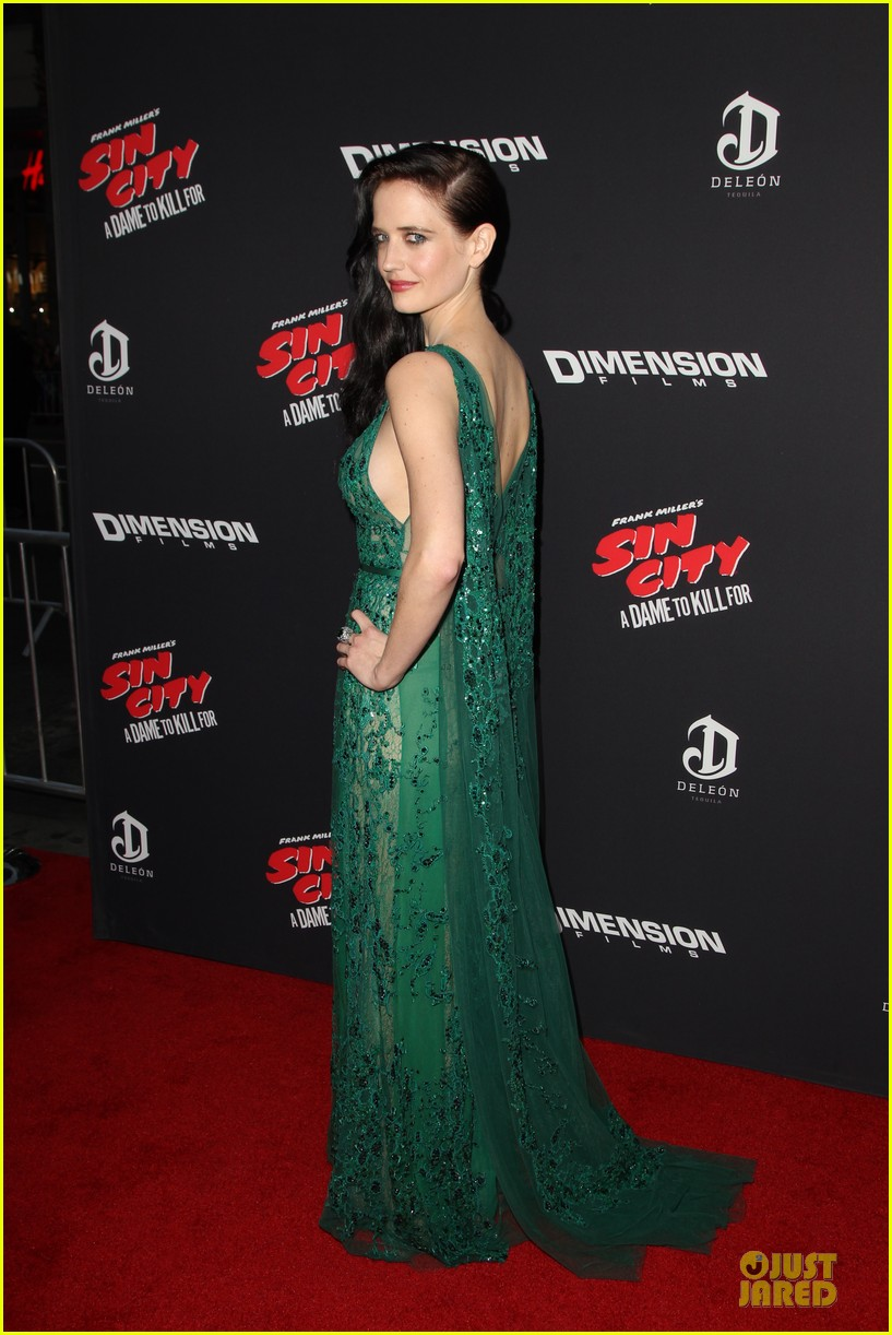 rosario dawson eva green sin city a dame to kill for premiere 033179459