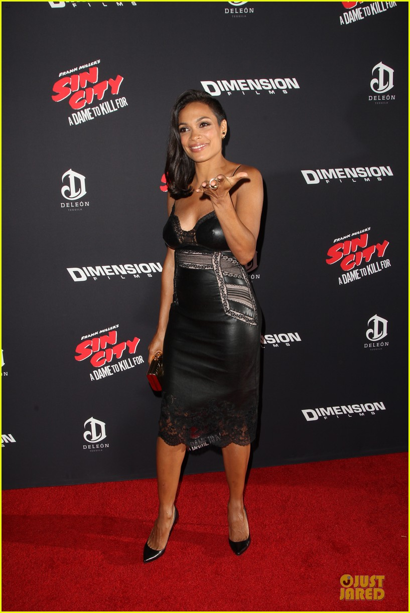 rosario dawson eva green sin city a dame to kill for premiere 15