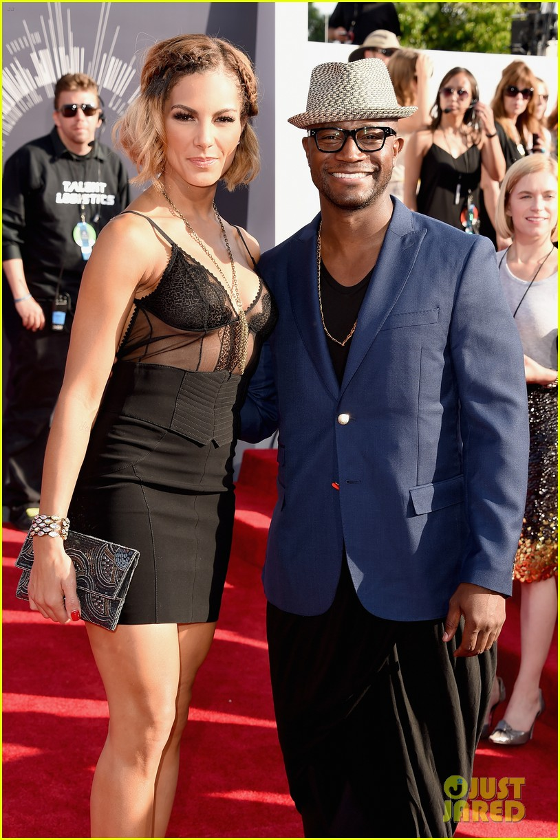 taye diggs attends vmas with girlfriend amanza smith brown 03