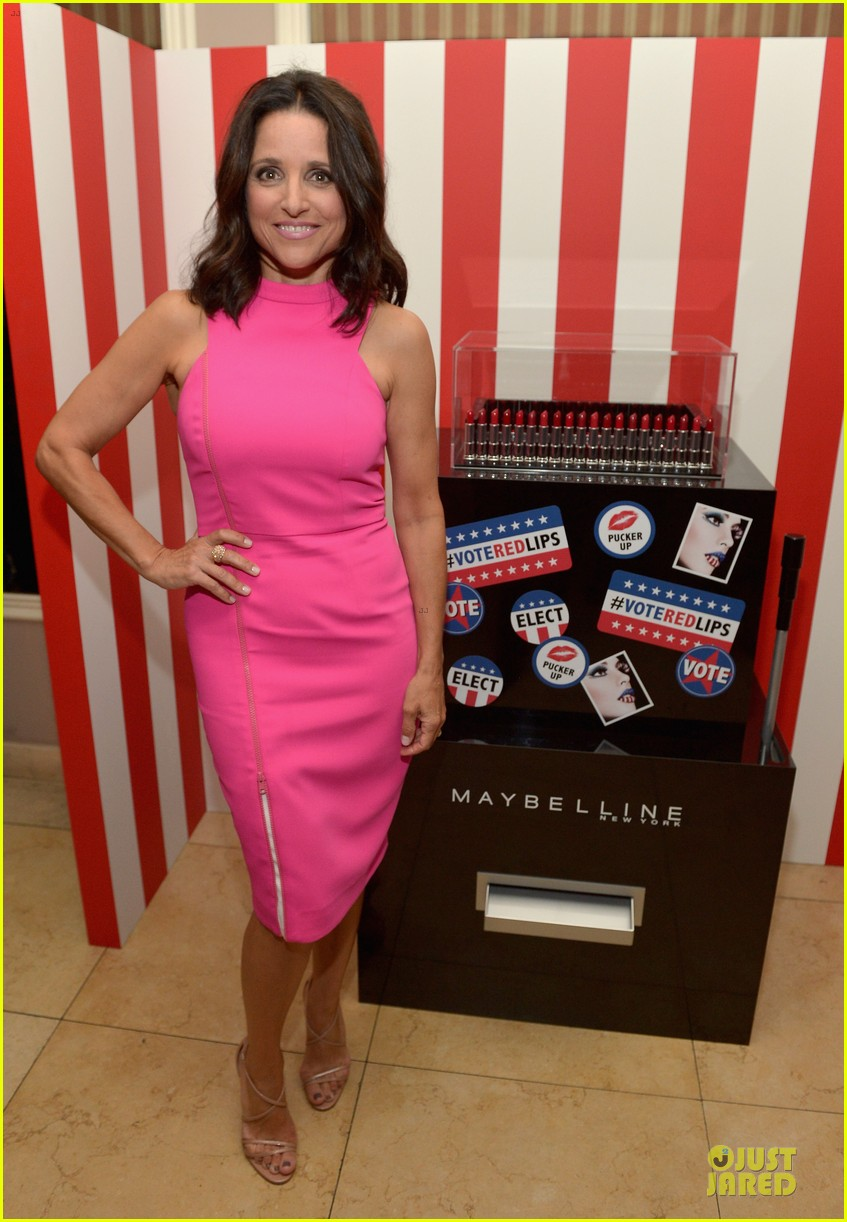 julia louis dreyfus hot pink after ice bucket challenge 01