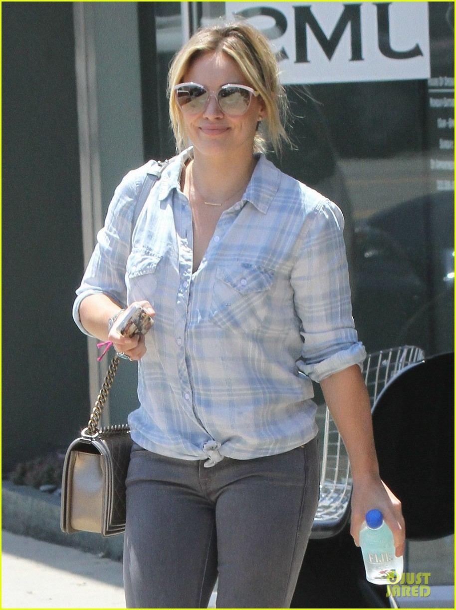 hilary duff admits being nervous on music comeback 043169283