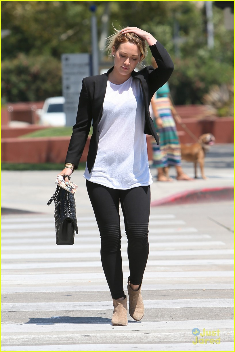 hilary duff steps out after new song 06