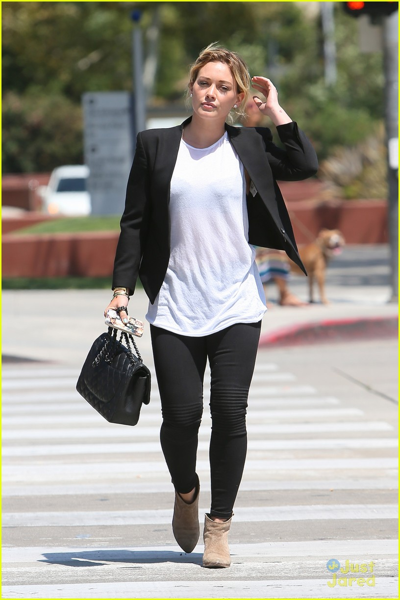 hilary duff steps out after new song 073179899