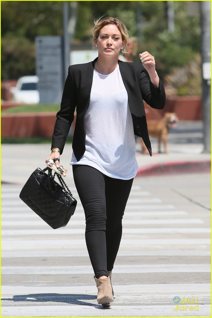 hilary duff steps out after new song 083179900