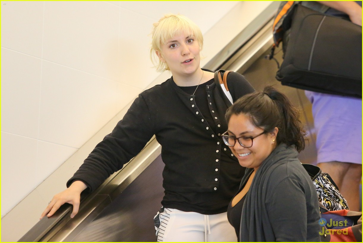 lena dunham platinum blonde lax hedwig broadway 03