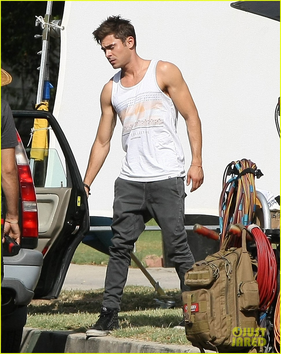 zac efron steps out after split from michelle rodriguez 16