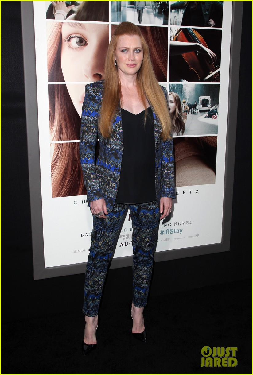 mireille enos debuts post baby body at if i stay premiere 01