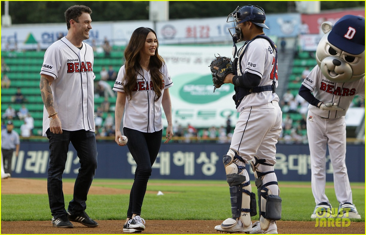 megan fox throws the first pitch attends teenage mutant ninja turtles 05
