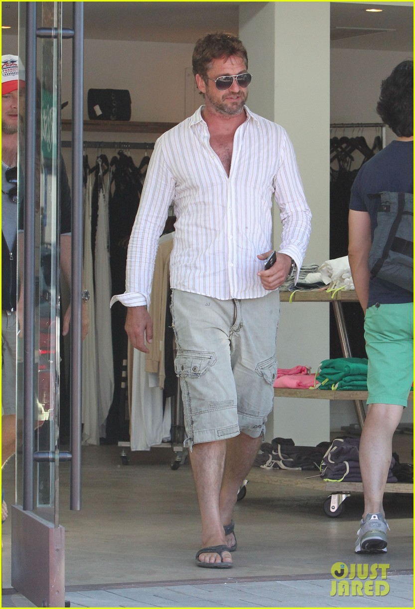 gerard butler chest hair shopping malibu 18
