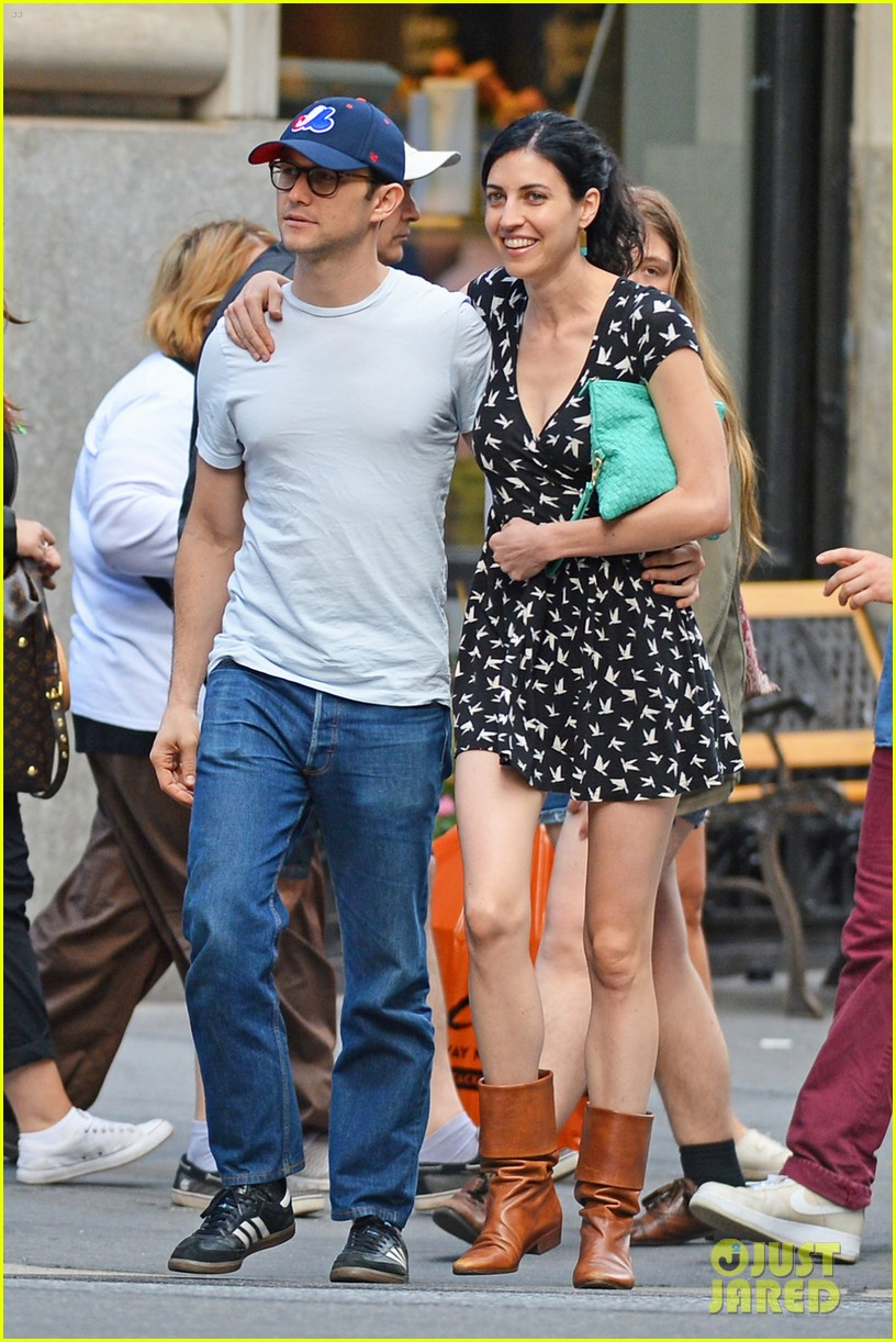joseph gordon levitt girlfriend tasha mccauley look happy as can be 01
