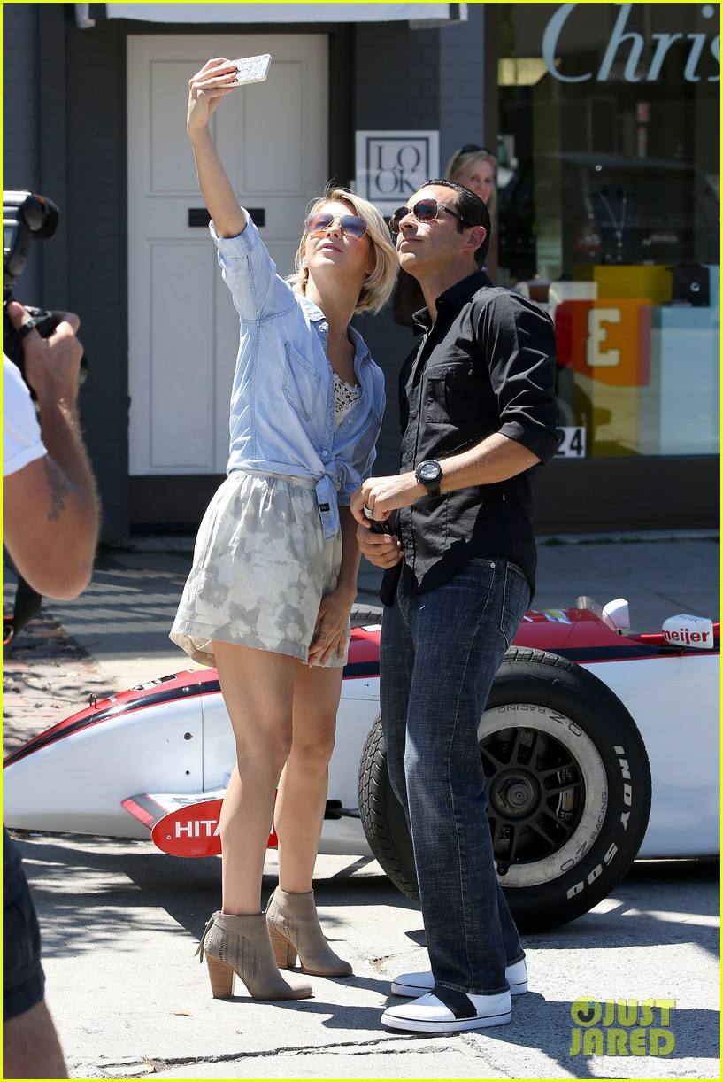 julianne hough helio castroneves selfie before race 13