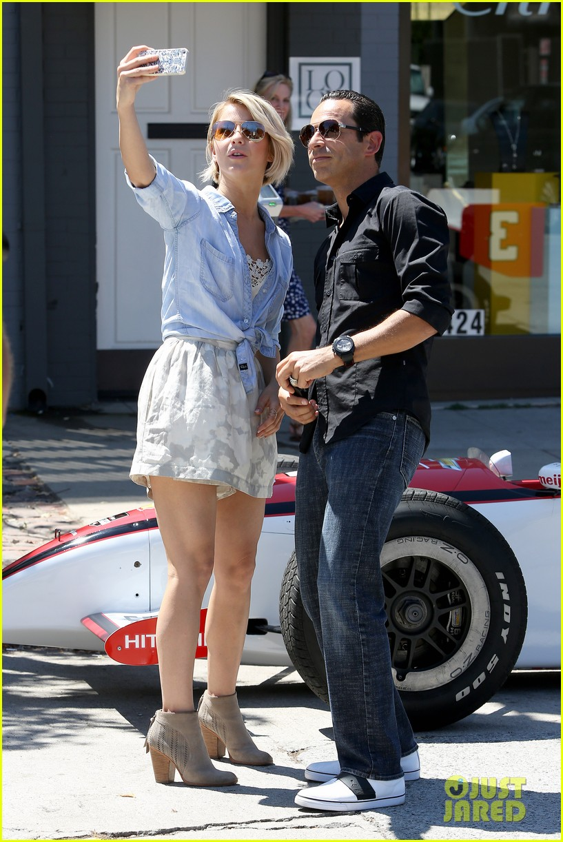 julianne hough helio castroneves selfie before race 15