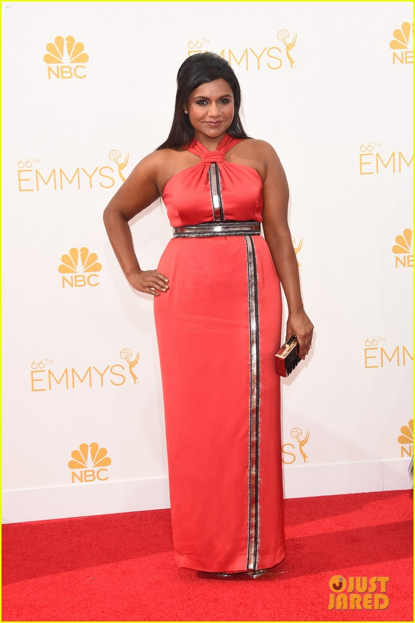 mindy kaling emmys 2014 red carpet 053183649