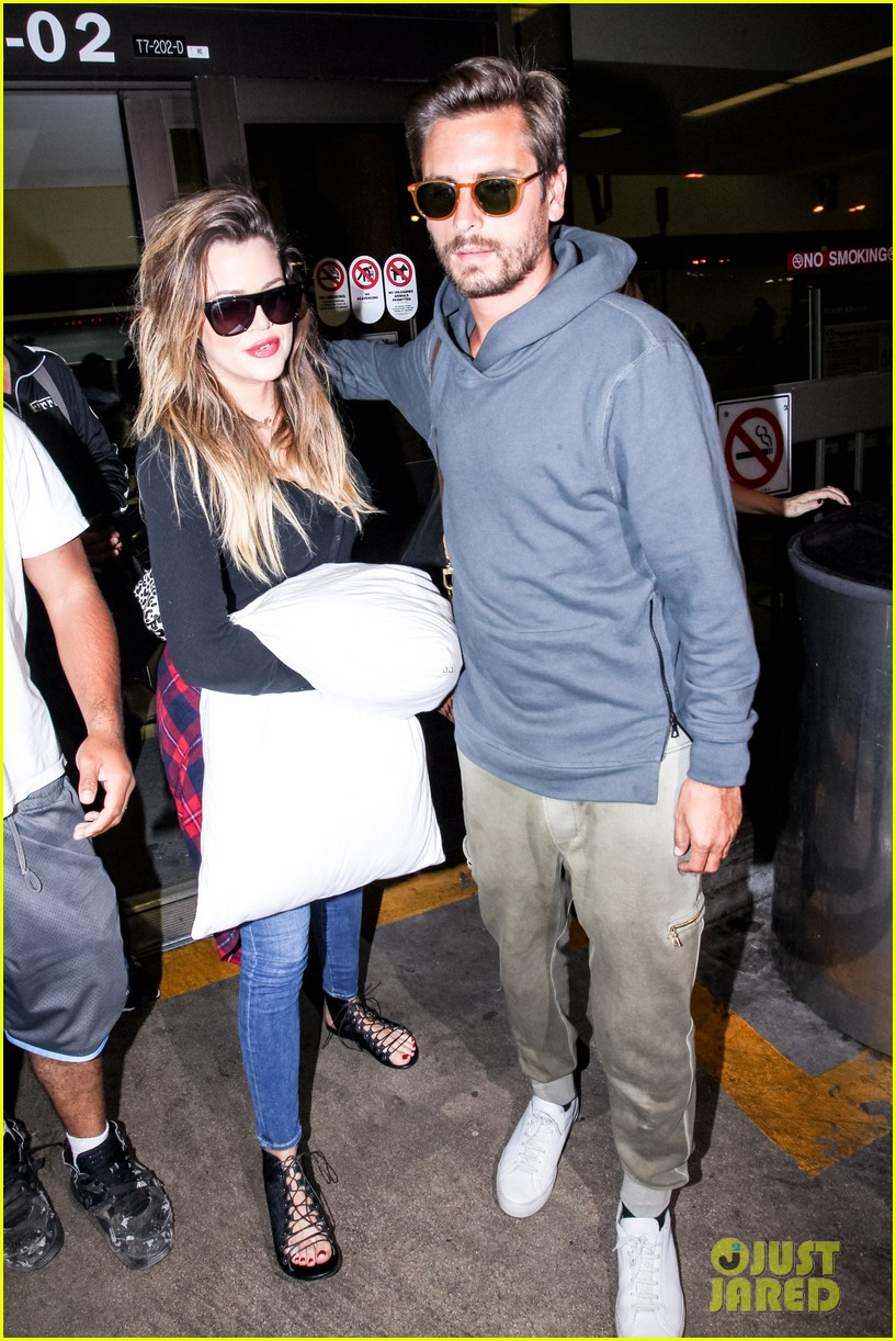 khloe kardashian touches down at lax with scott disick after hosting together 043178479