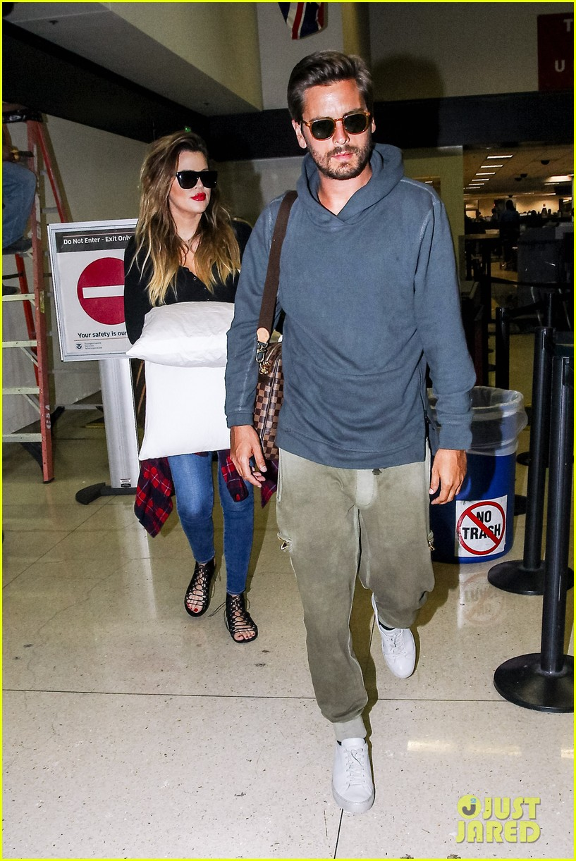 khloe kardashian touches down at lax with scott disick after hosting together 073178482