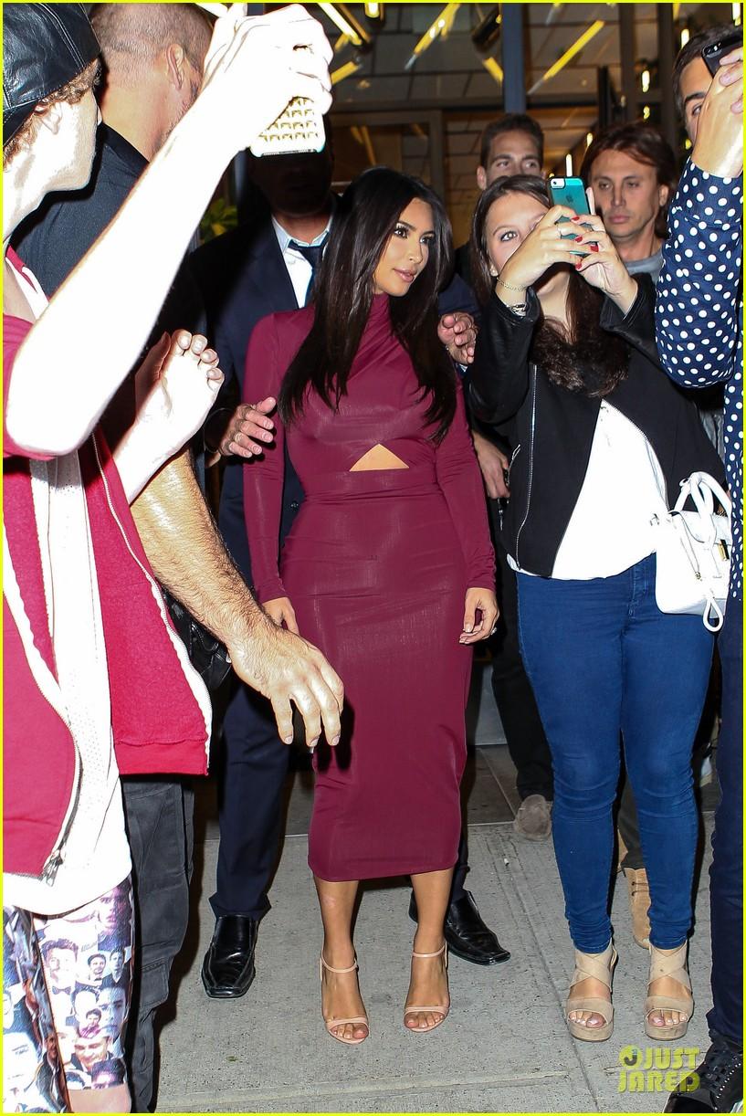 Full Sized Photo of kim kardashian shows midriff in sexy dress at dinner 03 | Photo 3174877 ...