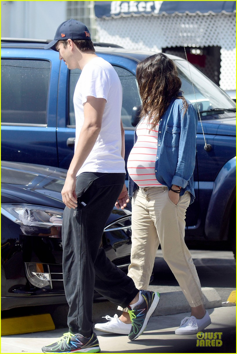 mila kunis looks ready to pop as due date approaches 01