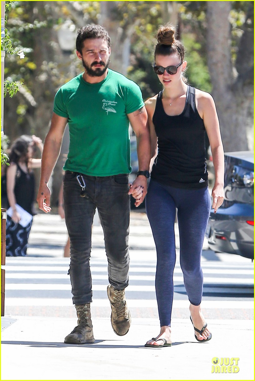 shia labeouf mia goth enjoy lunch date at granville 07