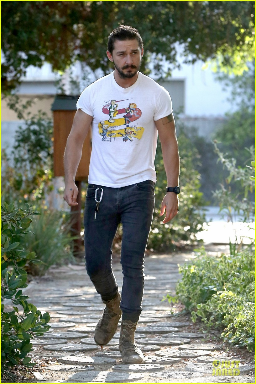 shia labeouf brings the jetsons to meeting 053168792