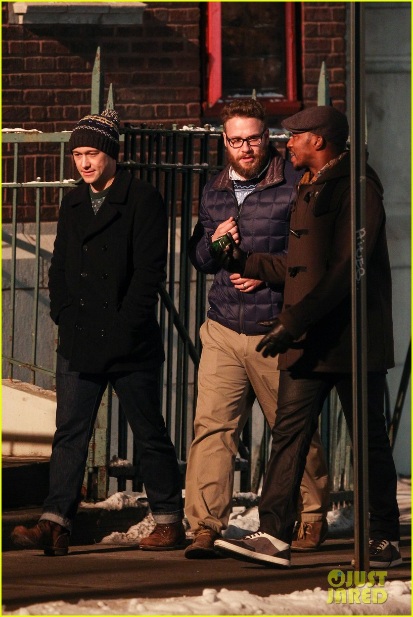 joseph gordon levitt anthony mackie seth rogen christmas movie 193186396