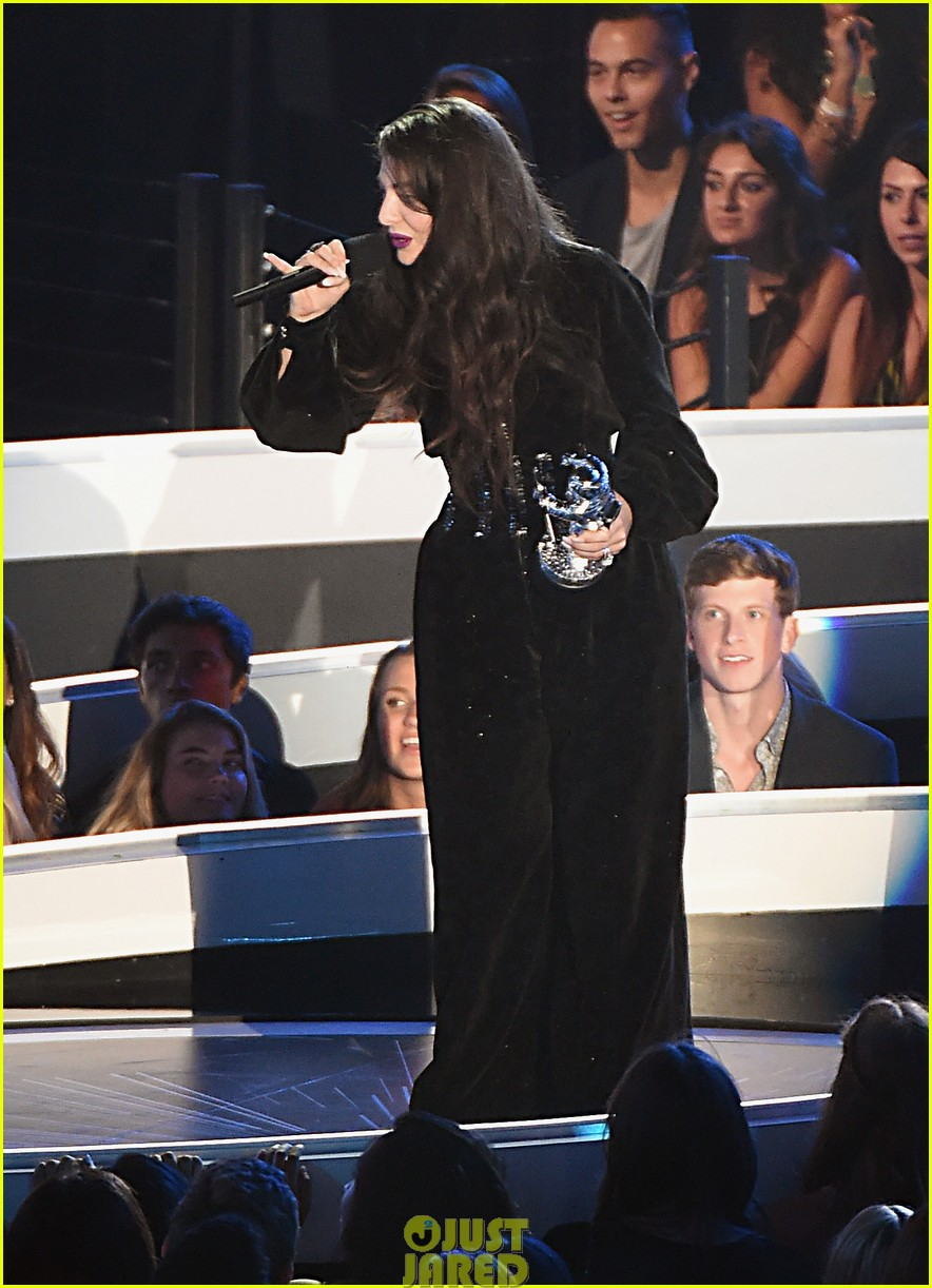lorde royals win best rock video mtv vmas 06